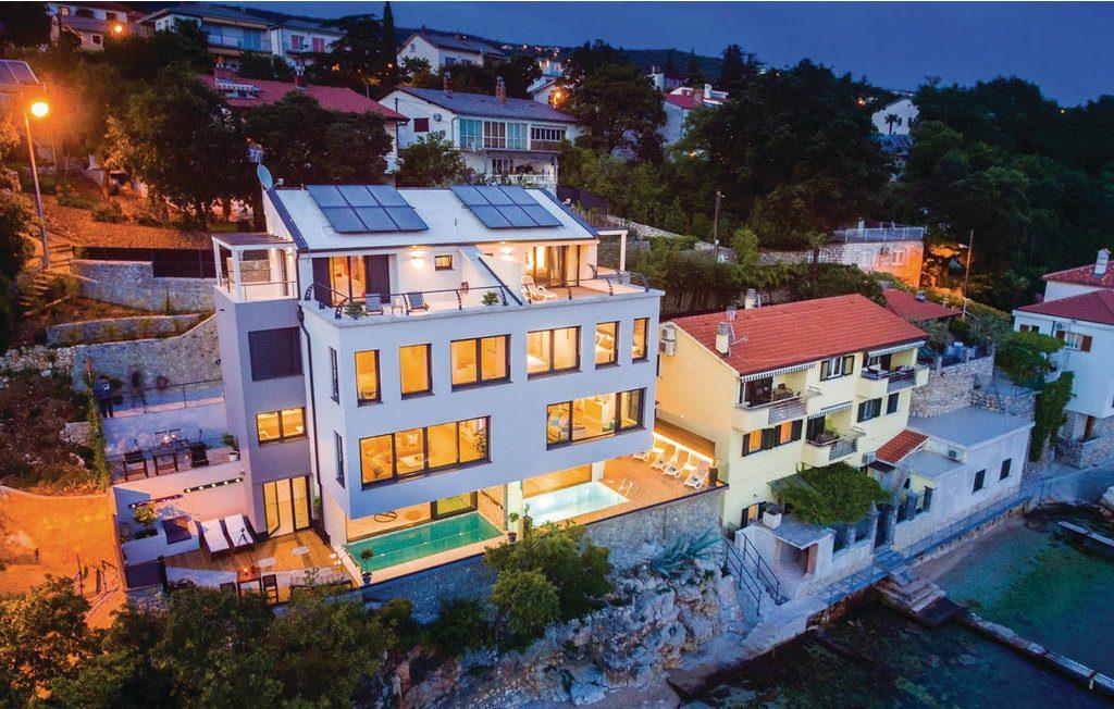 4 hálós luxus villa kilátással Rijeka mellett