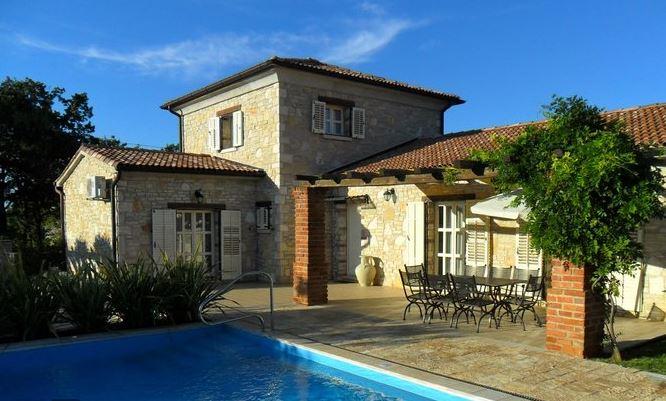 67 Villa Isztrián csomagban eladó