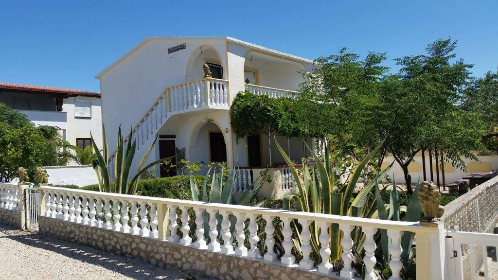 Kétszintes ház VIR szigeten – 2 apartman 125.000 EUR