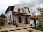 2 lakrészes ház parttól 2 km-re 260.000 EUR