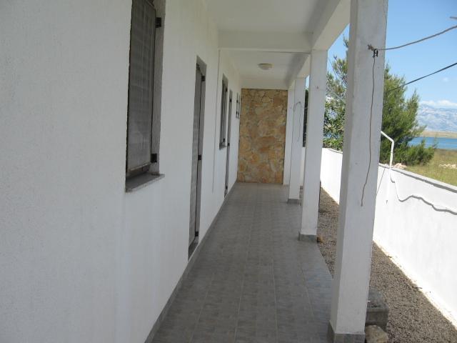 Apartmanház VIR szigeten
