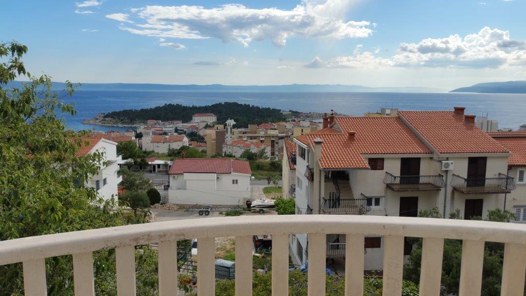 Makarskán 4 szintes ház kilátással